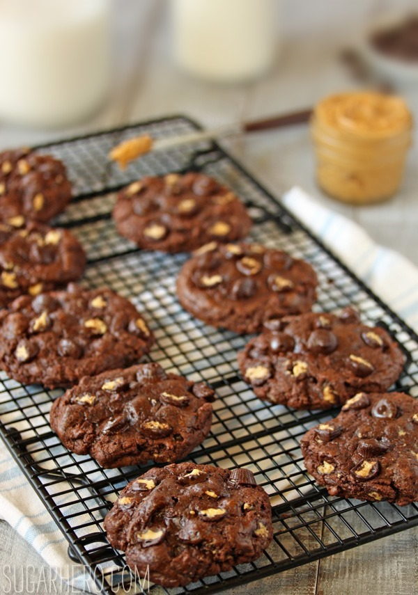 Gooey Chocolate Peanut Butter Cup Cookies | SugarHero.com