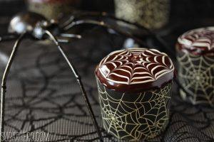 spiderweb-cupcakes-5.jpg