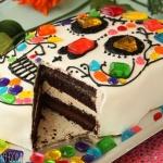 Skull Cake for Dia de los Muertos