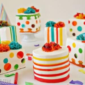Birthday Present Mini Cakes Happy SugarHero