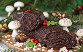 peanut-butter-cup-yule-log-3.jpg