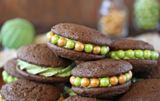 mint-chip-whoopie-pie-2.jpg