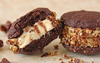 Spicy Chocolate Ice Cream Sandwich Cookies