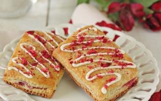 Cranberry White Chocolate Sweetie Pies | From SugarHero.com