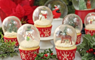 Snow Globe Cupcakes | From SugarHero.com