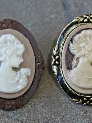 Make Your Own Chocolate Mold | From SugarHero.com