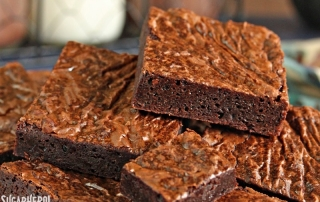 ultimate-fudgy-chocolate-brownies-3