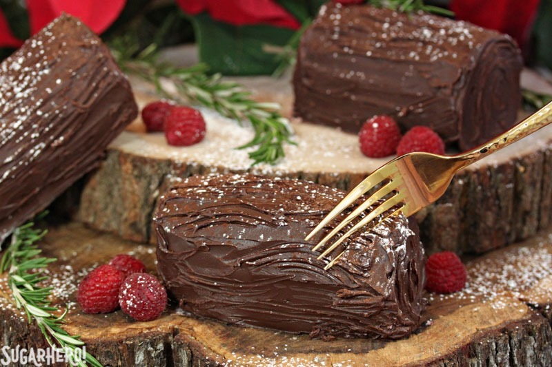 Mini No-Bake Buche de Noel | From SugarHero.com