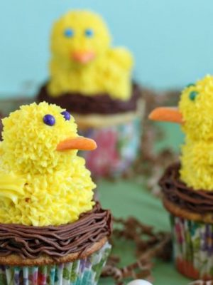 Spring Chick Cupcakes | From SugarHero.com