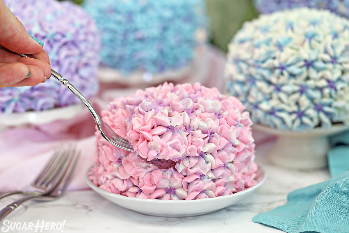 Hydrangea Cakes - gorgeous mini cakes that look like hydrangeas! Perfect for spring parties or showers   From SugarHero.com