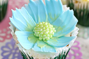 Easy Chocolate Flower Cupcakes | From SugarHero.com