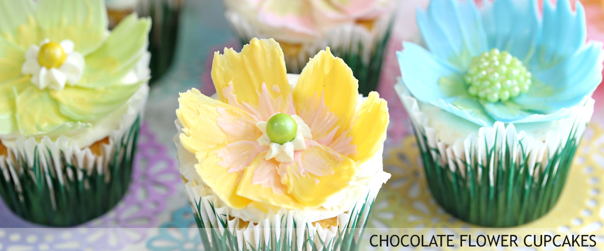 easy-chocolate-flower-cupcakes-16