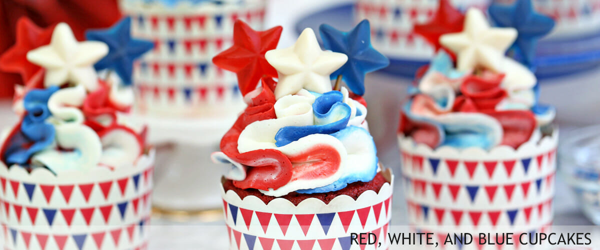 Red-white-and-blue-cupcakes-8
