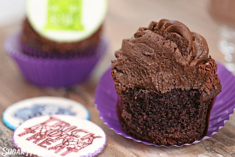 Stamped Halloween Cupcakes - | From SugarHero.com
