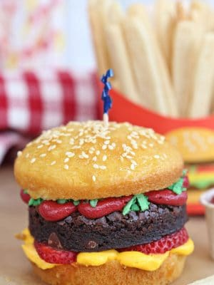 Hamburger cupcakes with sugar cookie french fries in background