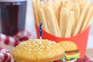 Hamburger Cupcake with overlay text for Pinterest